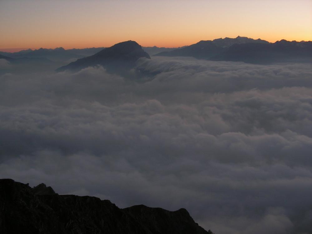 Calanda im Nebelmeer