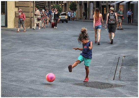 Calcio in Piazza Santa Trinita