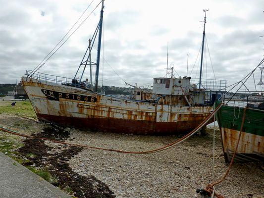 Camaret épave dans le port