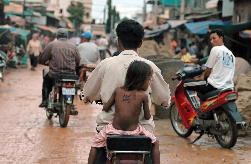 Cambodge 2006 en rentrant dans la banlieue de phnum penh