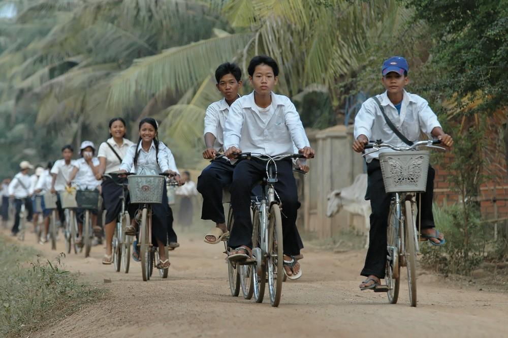 Cambodge 2006 en rentrant de l'école .....