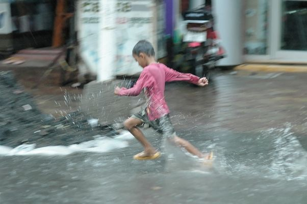Cambodge 2006 Phnom Penh Mousson: On en rève Tous...