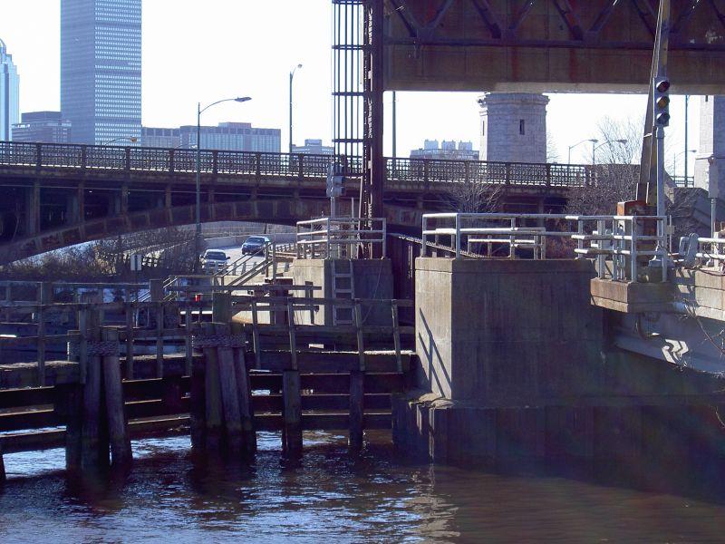 Cambridge: Brücke und Charles River
