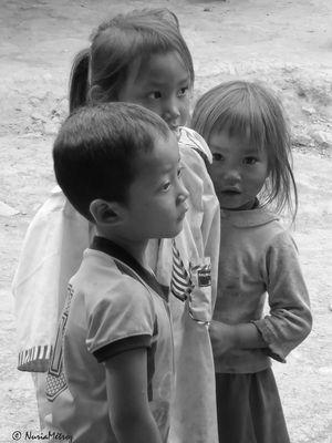 CAMINOS DE LAOS - niñez