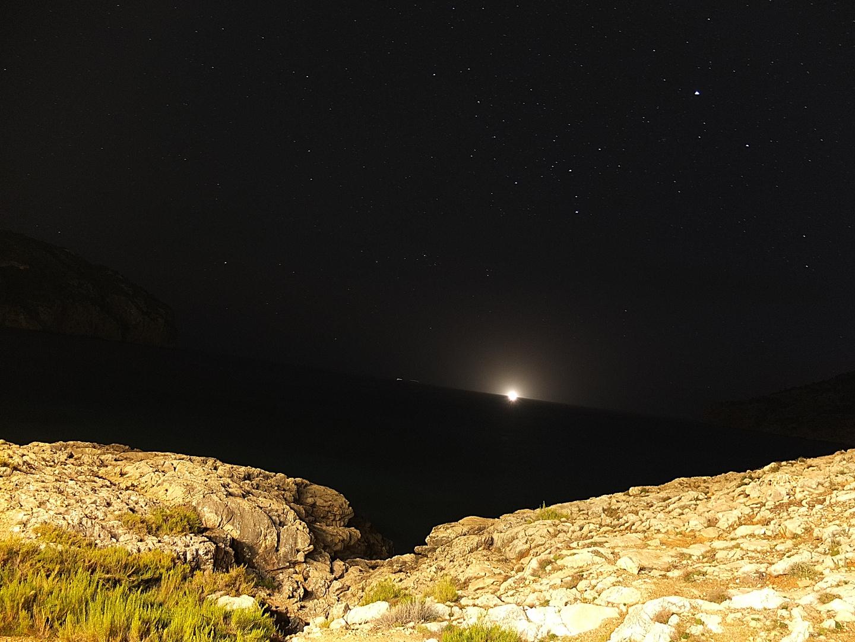 Camp de Mar bei Nacht