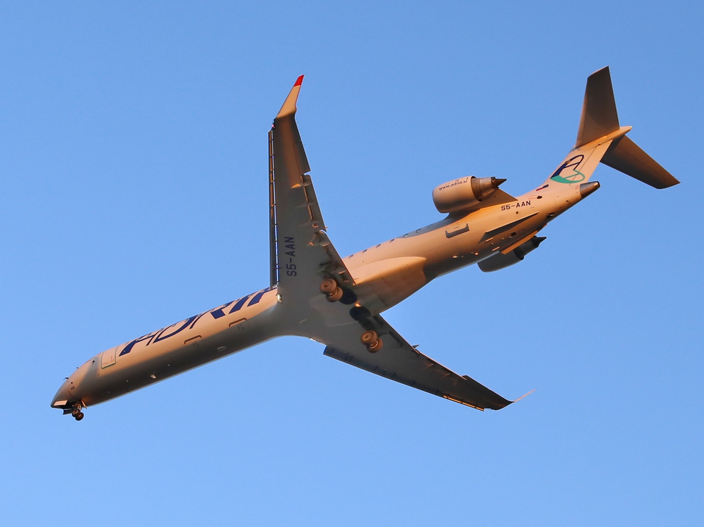 Canadair Regional Jet CRJ-900LR
