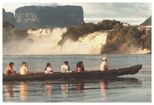 Canaima mit Blick auf die Tafelberge.