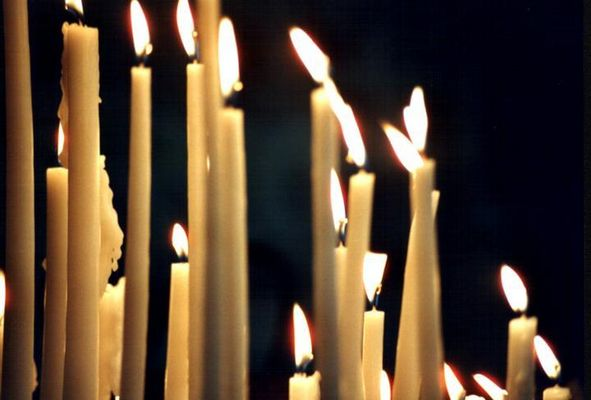 Candles in Cathedrale