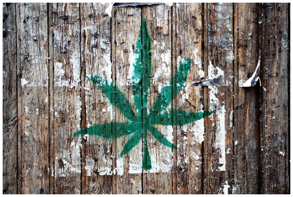 """ Cannabisblatt """
