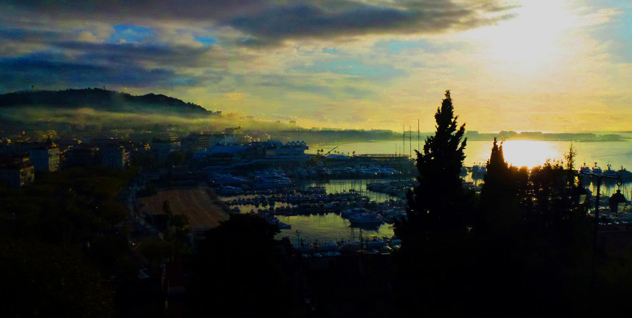 Cannes, Blick und Gedanken über eine Stadt an der Côte d'Azur