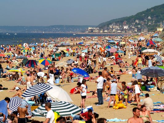 Cannes en août ? non Cabourg en mai!!!!