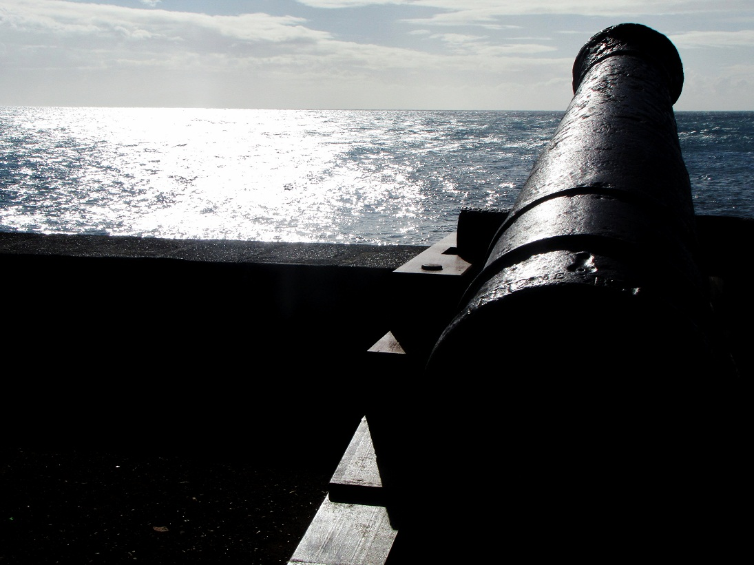 Canon face à la mer... défense oblige!