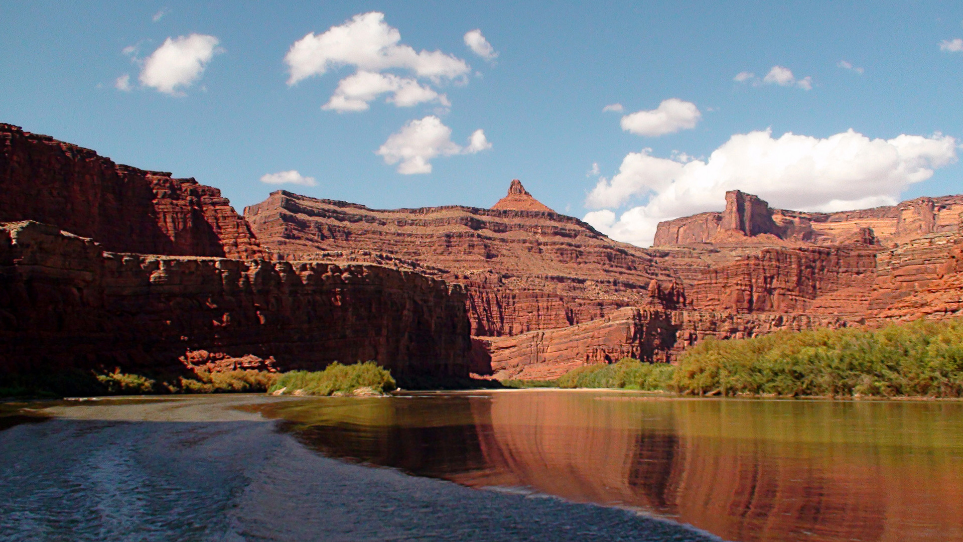 Canyonlands by speedboat