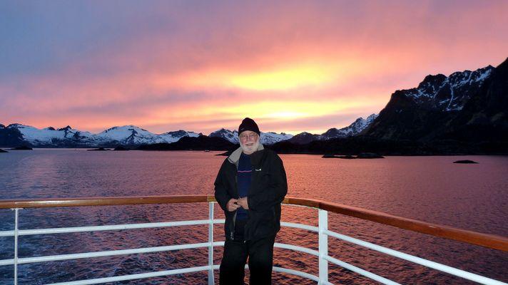 Cap'tain Igloo et le soleil de minuit aux Iles Lofoten