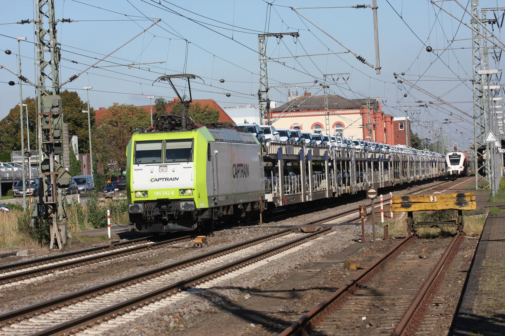 Captrain 185-542-8 Leer 27-09-2013