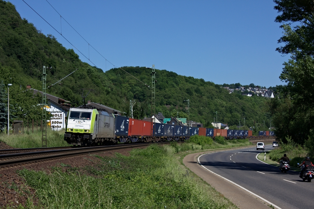 Captrain am Rhein