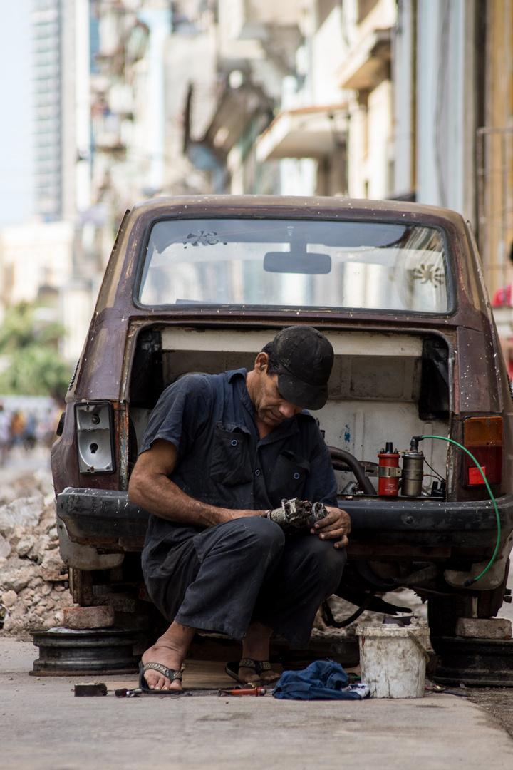 Car Repair Cuban Style
