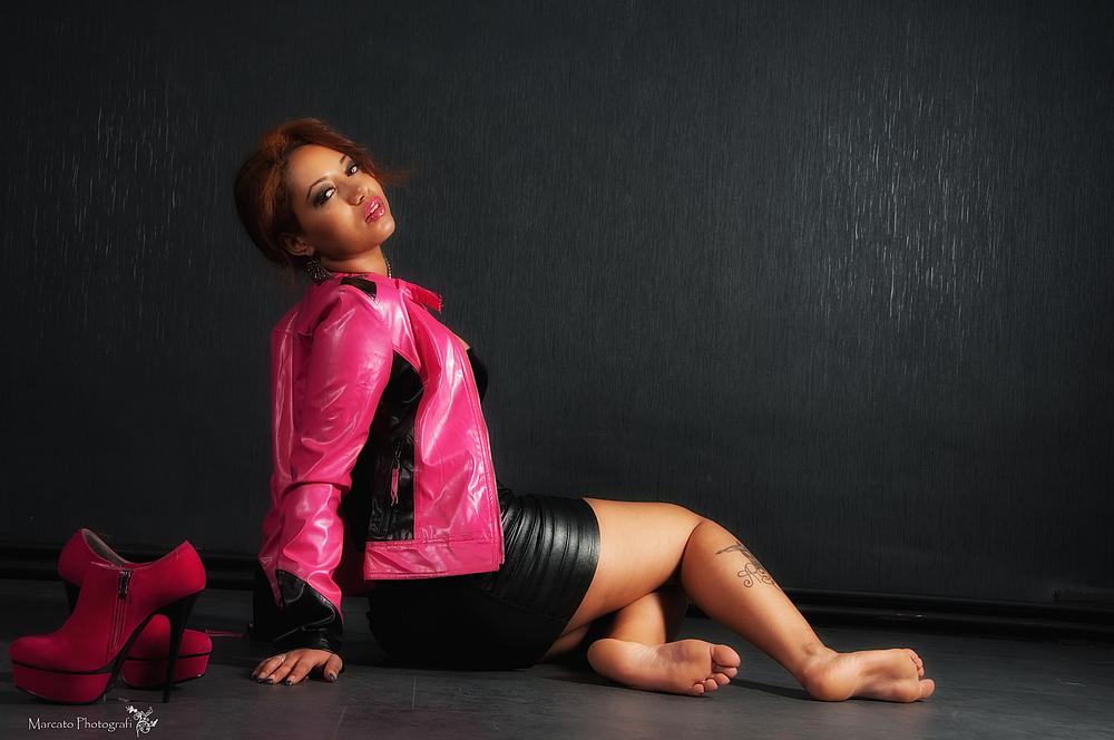Carla Fashion Shooting 2011 Pink II