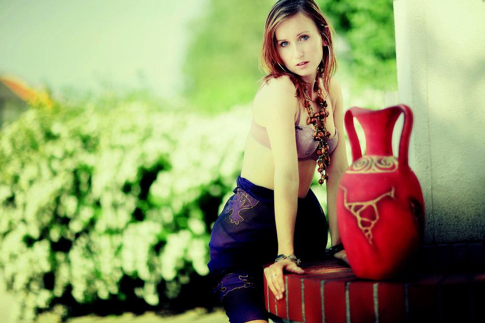 Carmen XVI