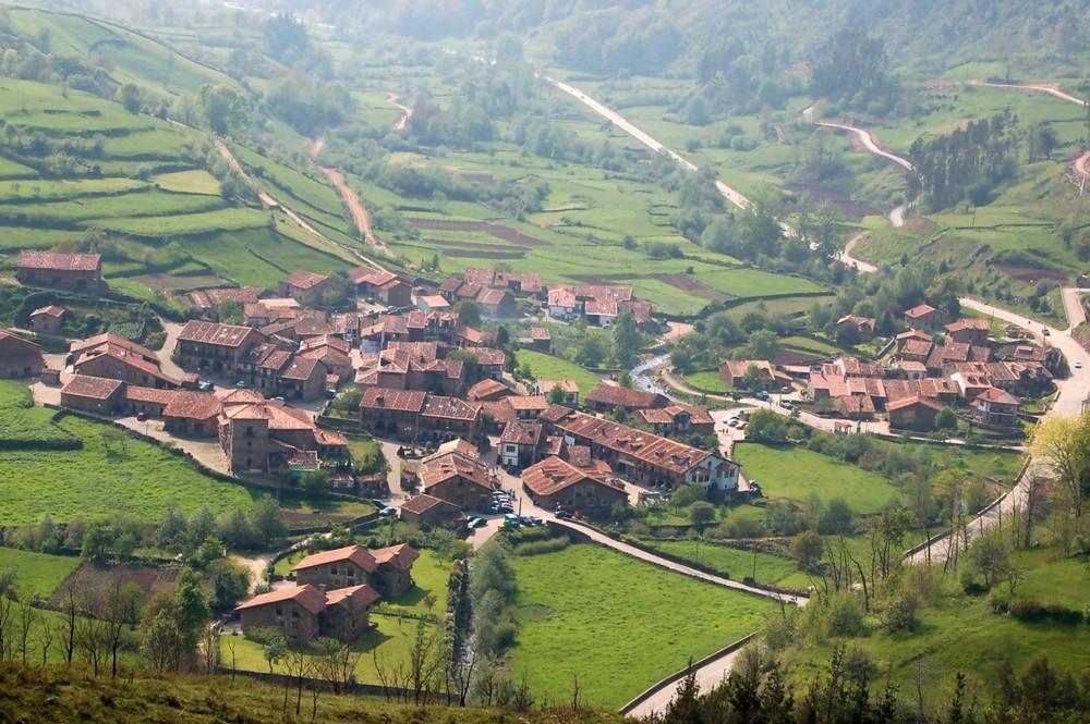 CARMONA (CANTABRIA)