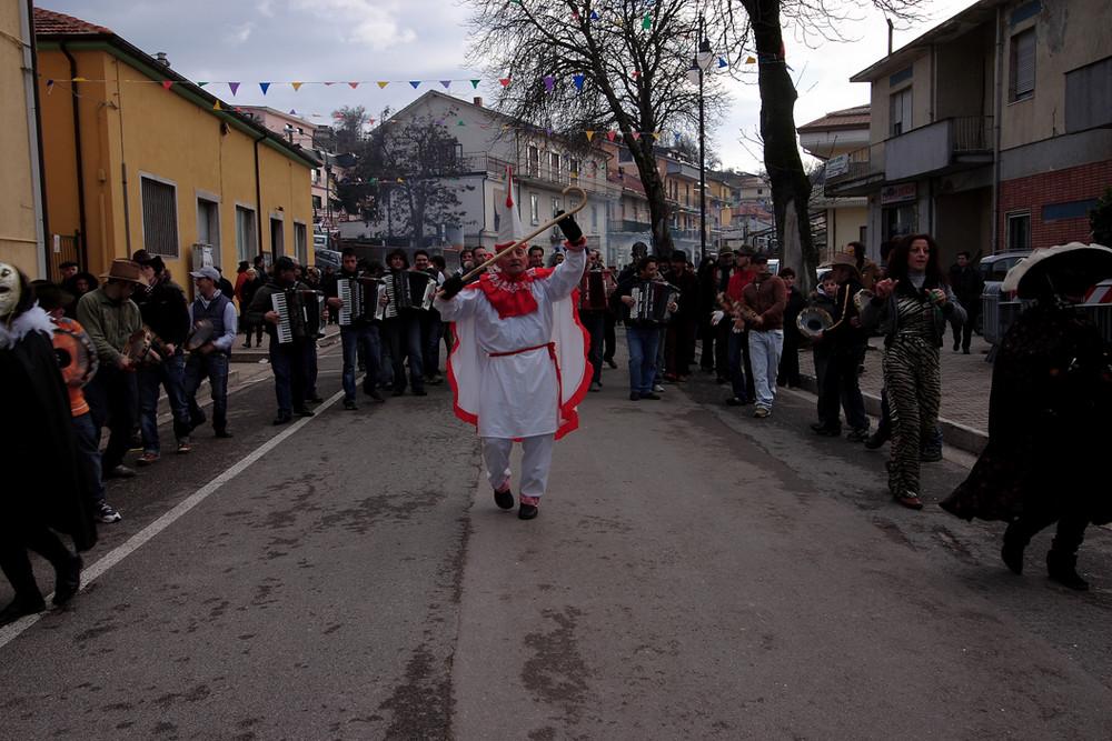 Carnevale di Montemarano a ritmo di tarantella e vino.