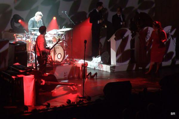 Caro Emerald live in Vienna 2, Freihand Fujifilm Finepix 100fd