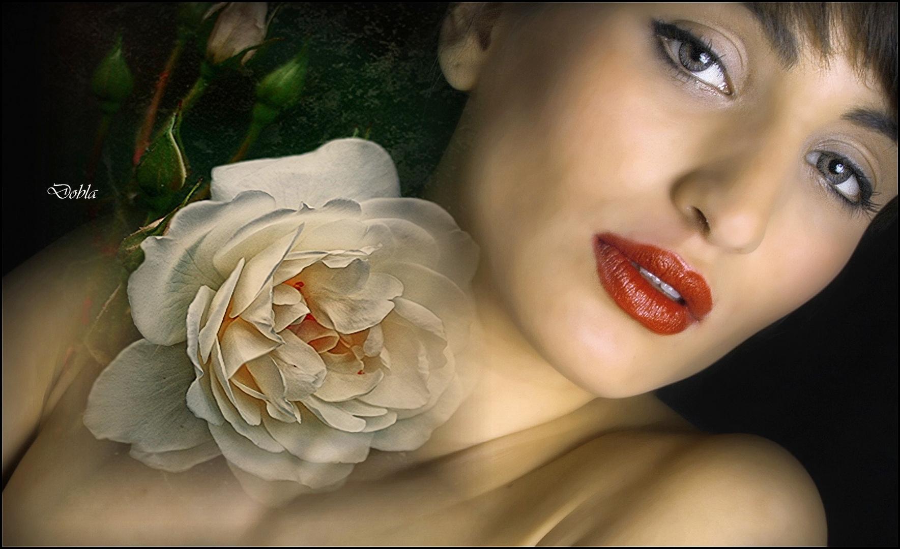 Carol 03 con flor de Canan Oner