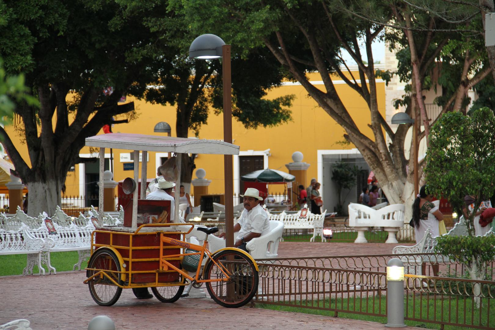 Carro en la plaza