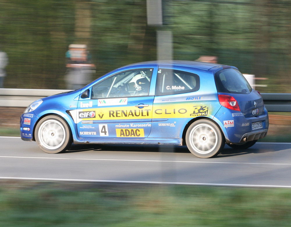 Carsten Mohe/ Sebastian Walker auf Renault R3 Maxi