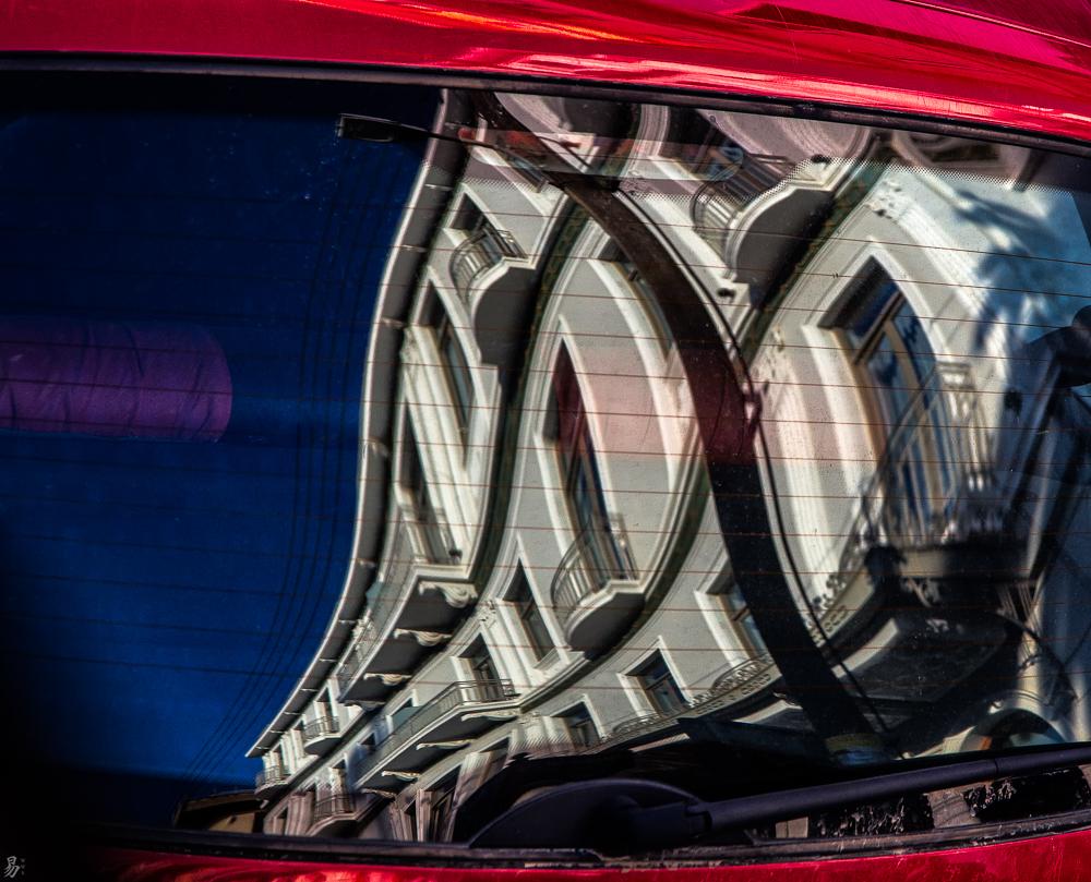 car:window:playing:tune