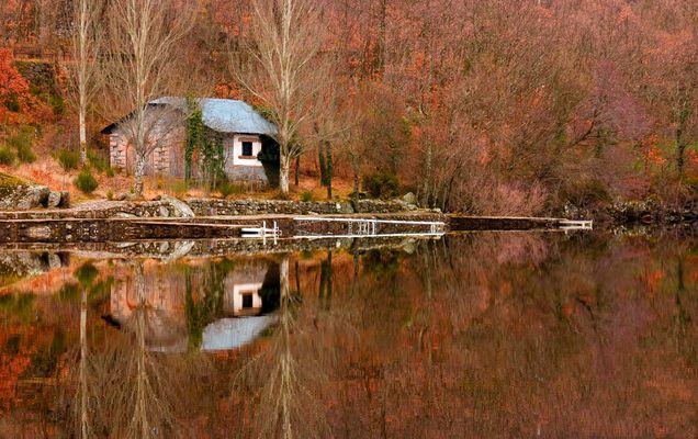 Casa en el espejo II
