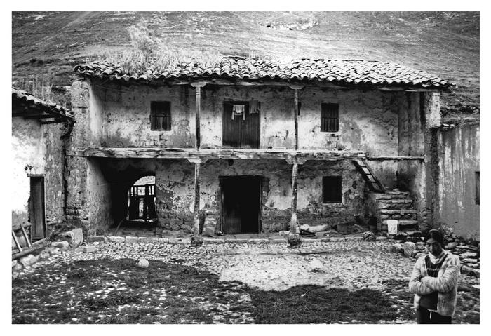 Casandina casa antica molto antica foto immagini for Casa moderna o antica