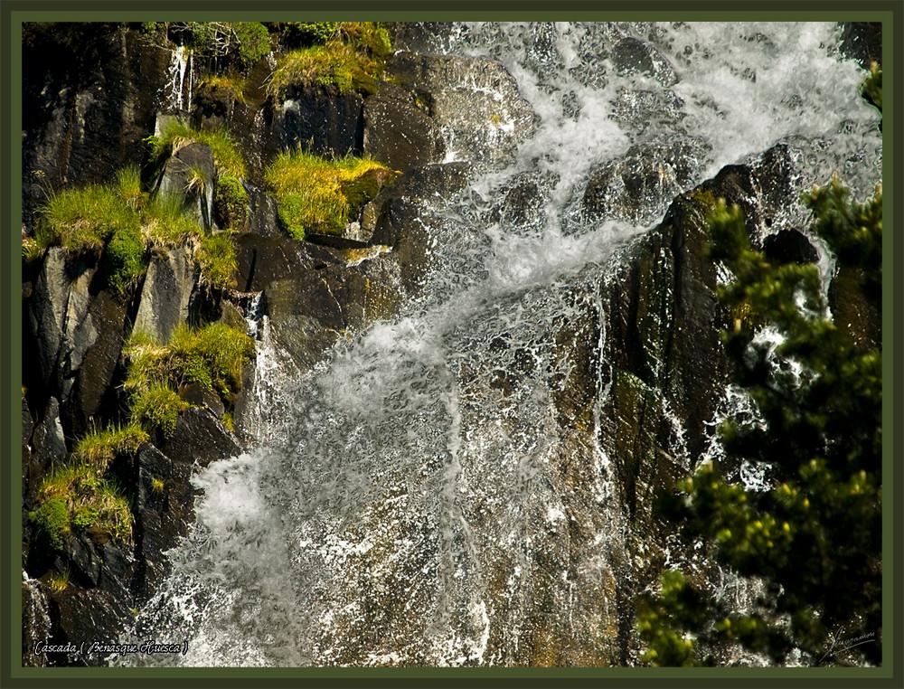 Cascada ( Benasque Huesca )
