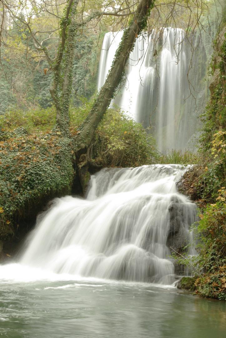 Cascada monasterio de piedra imagen foto paisajes for Piedras para cascadas
