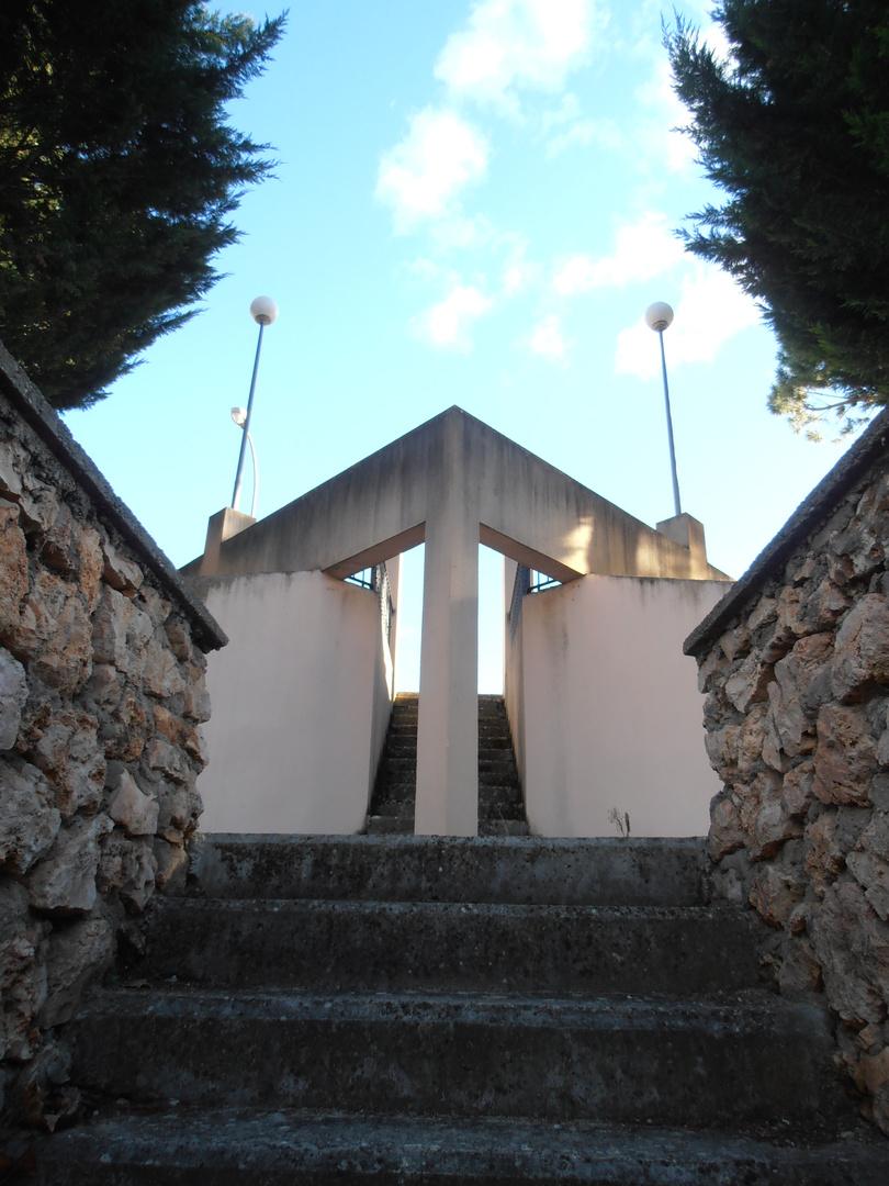 CASI SIMÉTRICO