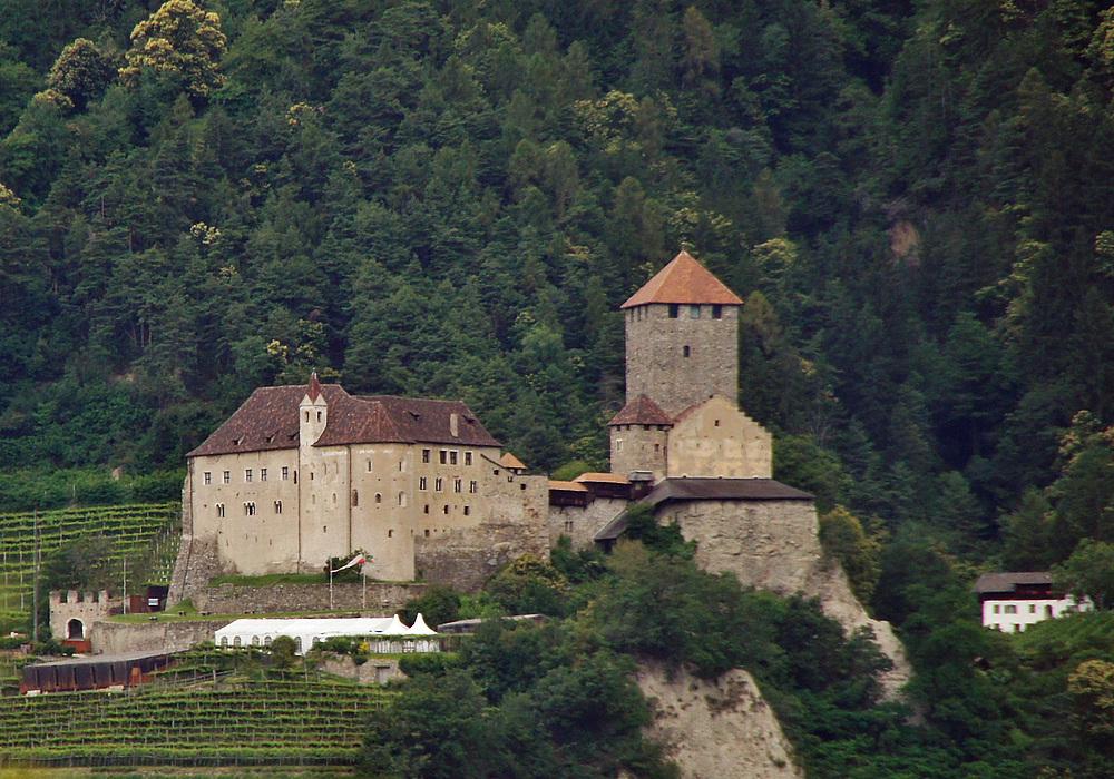 ..Castel Tirolo bei Meran..
