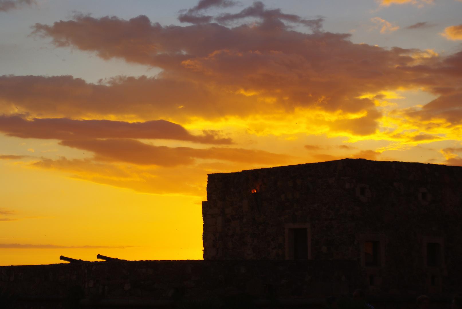 Castello Pizzo im Abendlicht