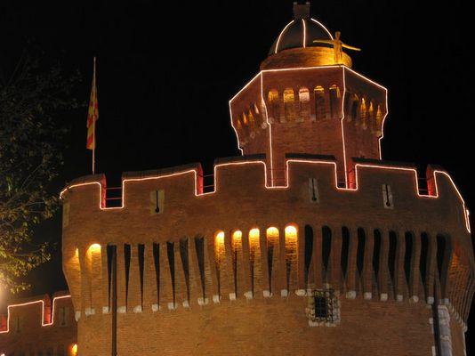 Castillet bei Nacht