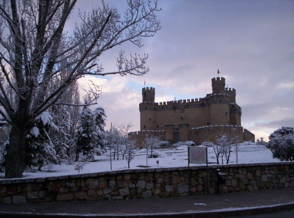 Castillo de manzanares el real nevado imagen foto - Polideportivo manzanares el real ...