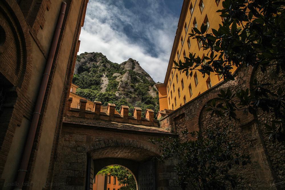 Castillo, fortaleza, Monasterio?