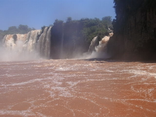 Cataratas del Iguazú. Salto San Martín. Argentina.