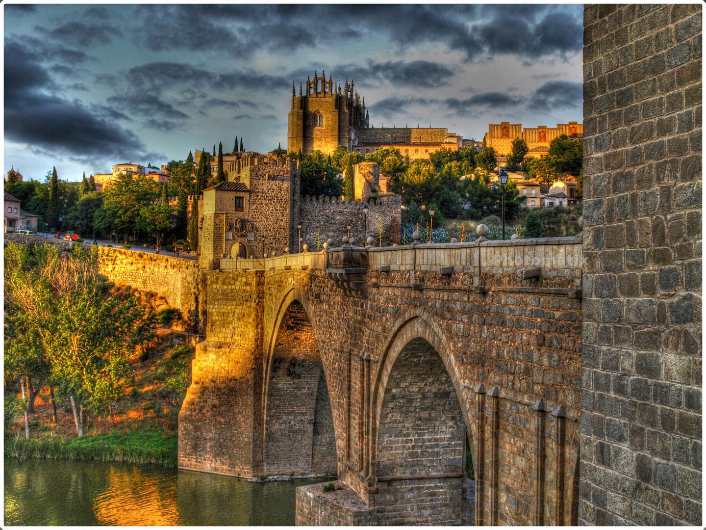 Catedral de Toledo y rio Tajo