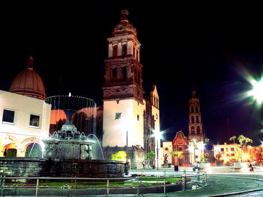 Catedral, Zocalo de Irapuato.