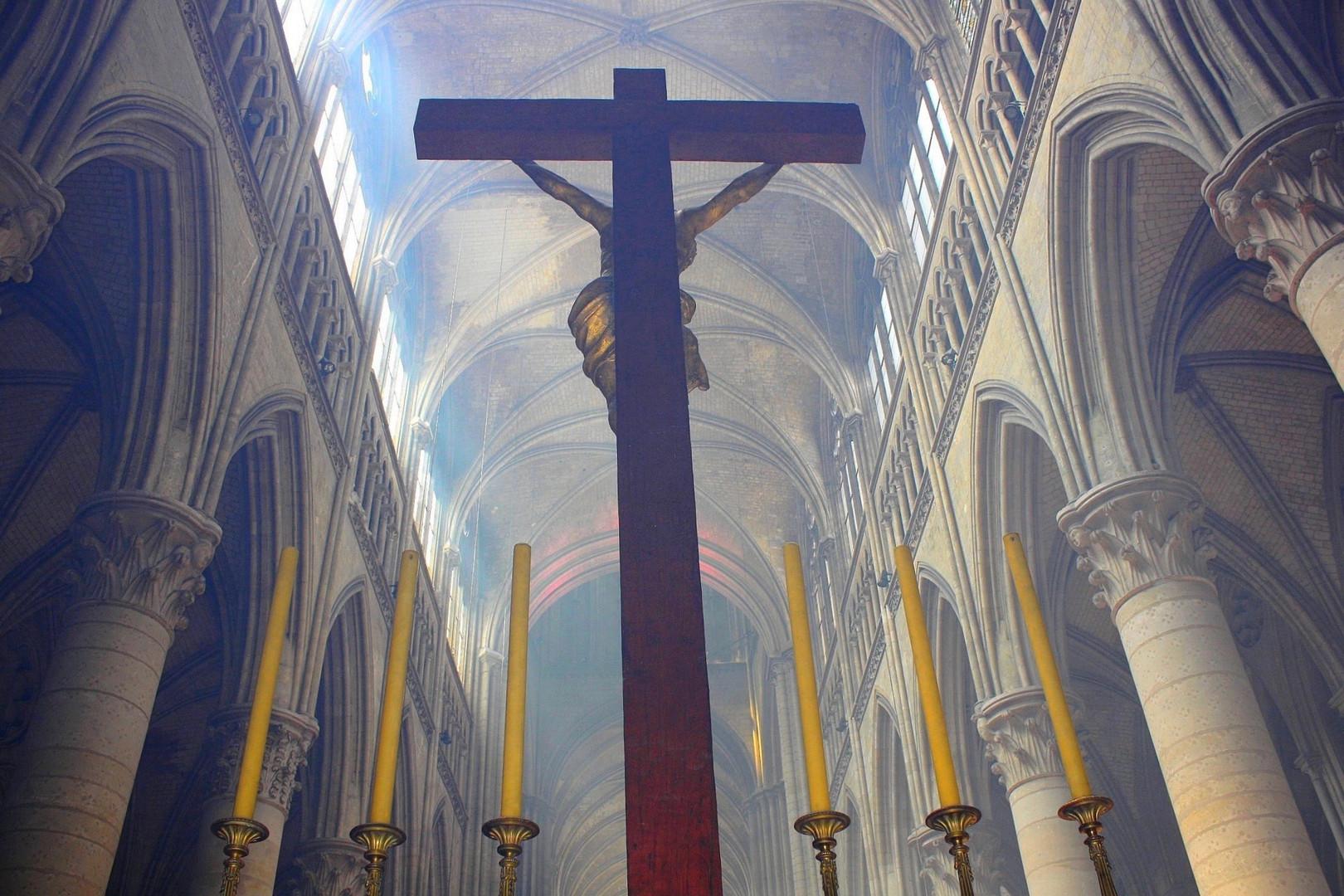 Cathédrale de Rouen Vue de derrière l'autel, dans le déambulatoire.