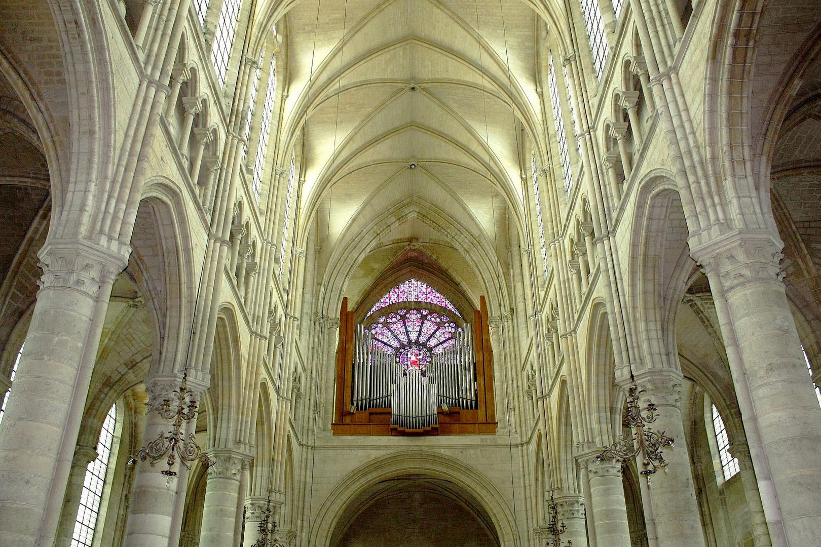 Cathédrale de Soissons La nef côté orgue
