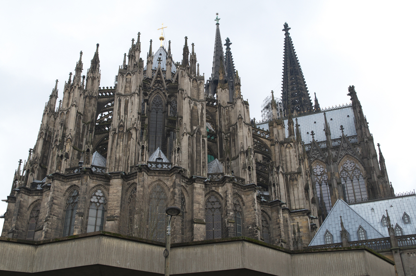 Cathedrale - Dom auf Betontablett