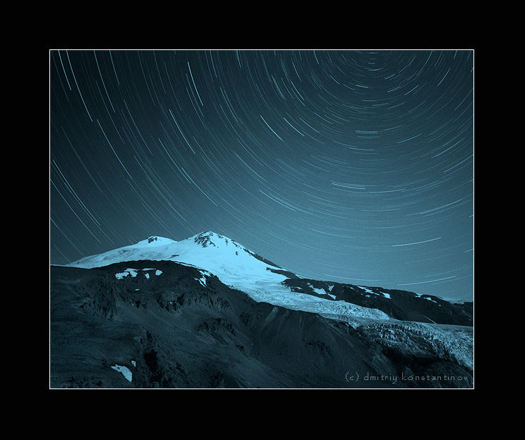 Caucasus. Elbrus. Tracks of stars