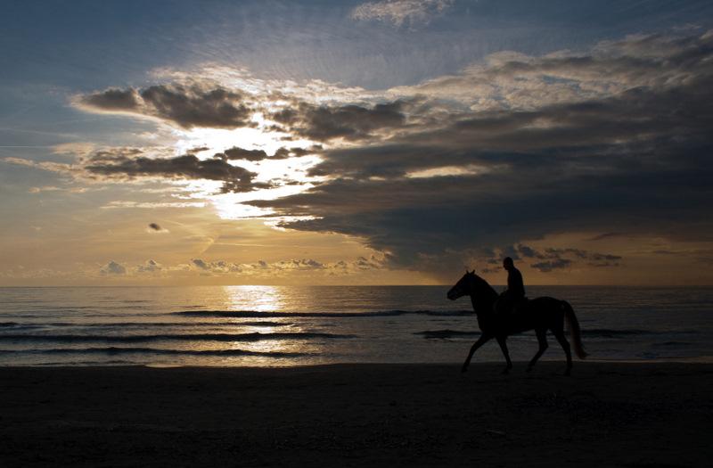Cavalcata al tramonto