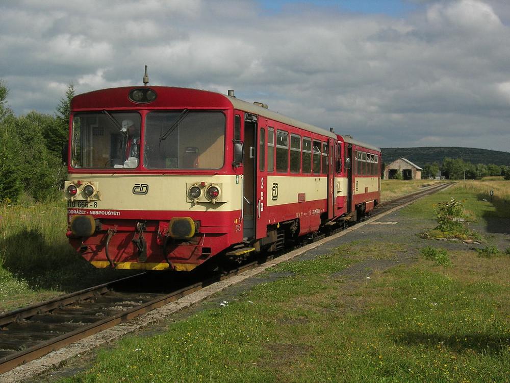 CD 810 666-8 in Moldava v Krusnych horach ( Moldau )