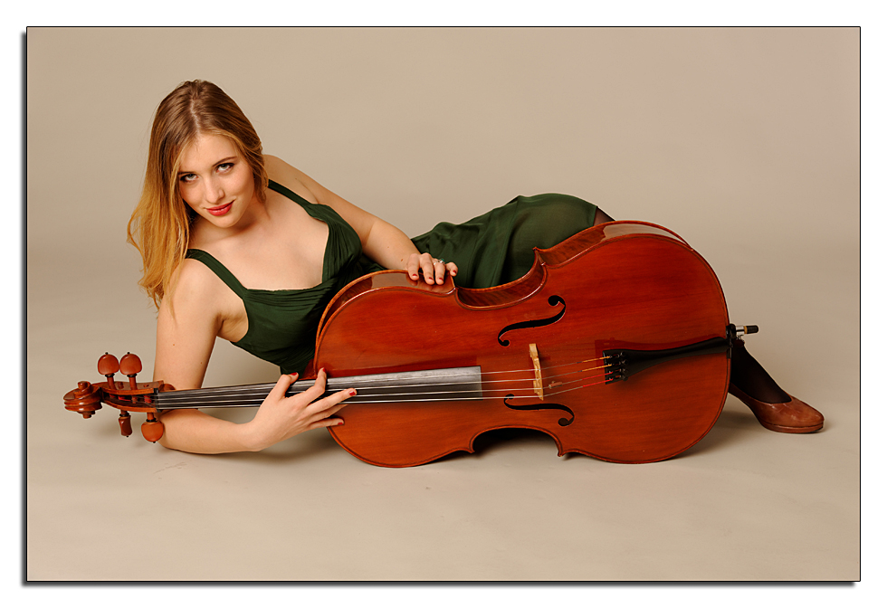Cello .... liegend